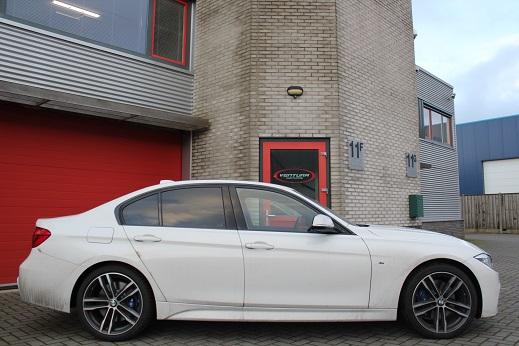 Rijervaring Chiptuning BMW 318d 150 PK Zijkant