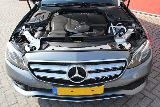 Rijervaring Chiptuning Mercedes E220 CDI 194 PK Voorkant