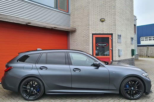 Rijervaring Chiptuning BMW 330i G21 258 PK 400 NM Zijkant